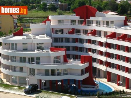 Тристаен, 190m² - Апартамент за продажба - 48922462